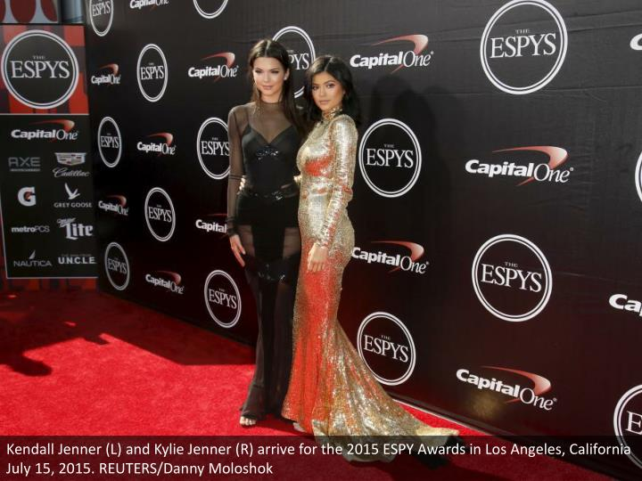 Kendall Jenner (L) and Kylie Jenner (R) arrive for the 2015 ESPY Awards in Los Angeles, California July 15, 2015. REUTERS/Danny Moloshok