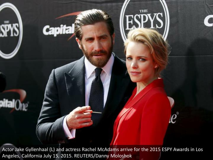 Actor Jake Gyllenhaal (L) and actress Rachel McAdams arrive for the 2015 ESPY Awards in Los Angeles, California July 15, 2015. REUTERS/Danny Moloshok