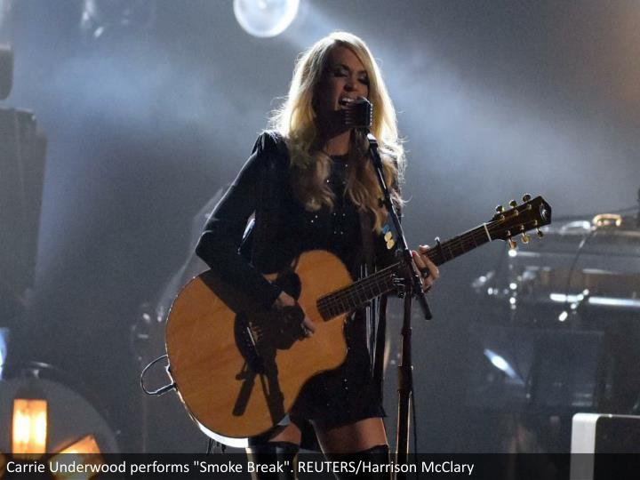 "Carrie Underwood performs ""Smoke Break"". REUTERS/Harrison McClary"