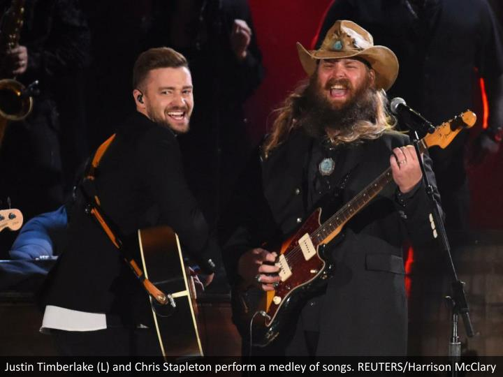 Justin Timberlake (L) and Chris Stapleton perform a medley of songs. REUTERS/Harrison McClary
