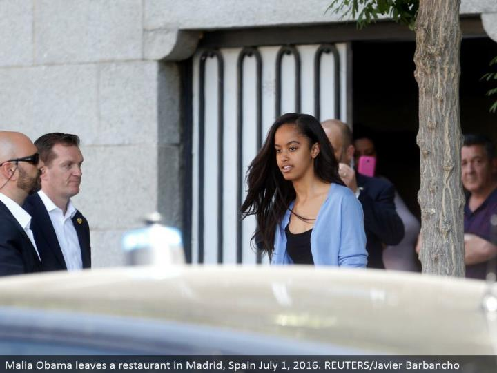 Malia Obama leaves an eatery in Madrid, Spain July 1, 2016. REUTERS/Javier Barbancho