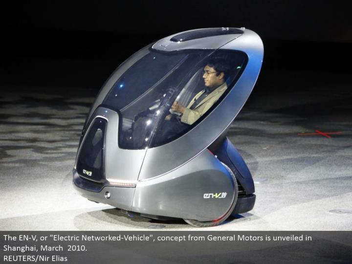 "The EN-V, or ""Electric Networked-Vehicle"", idea from General Motors is revealed in Shanghai, March 2010. REUTERS/Nir Elias"