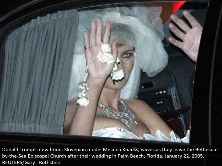 Donald Trump's new lady of the hour, Slovenian model Melania Knauss, waves as they leave the Bethesda-by-the-Sea Episcopal Church after their wedding in Palm Beach, Florida, January 22, 2005. REUTERS/Gary I Rothstein
