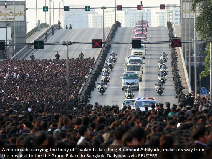 A motorcade conveying the body of Thailand's late King Bhumibol Adulyadej advances from the healing facility to the Grand Palace in Bangkok. Dailynews/through REUTERS