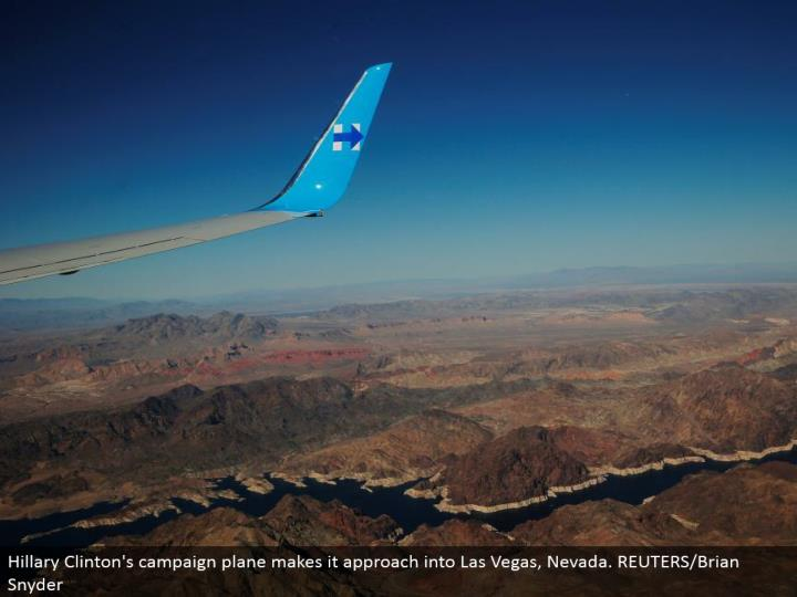 Hillary Clinton's crusade plane makes it approach into Las Vegas, Nevada. REUTERS/Brian Snyder