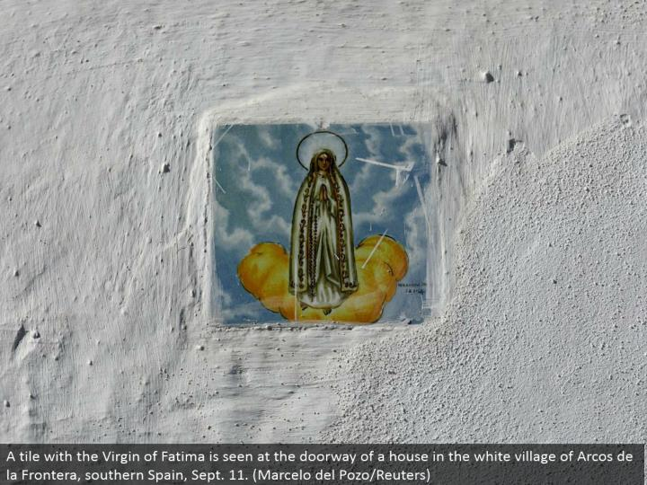 A tile with the Virgin of Fatima is seen at the entryway of a house in the white town of Arcos de la Frontera, southern Spain, Sept. 11. (Marcelo del Pozo/Reuters)