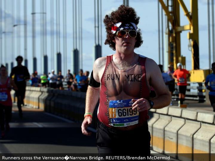 Runners cross the Verrazano�Narrows Bridge. REUTERS/Brendan McDermid