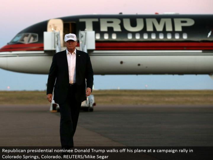 Republican presidential chosen one Donald Trump strolls off his plane at a crusade rally in Colorado Springs, Colorado. REUTERS/Mike Segar