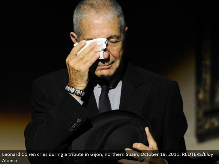 Leonard Cohen cries amid a tribute in Gijon, northern Spain, October 19, 2011. REUTERS/Eloy Alonso