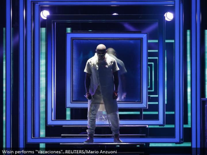 """Wisin performs """"Vacaciones"""". REUTERS/Mario Anzuoni"""