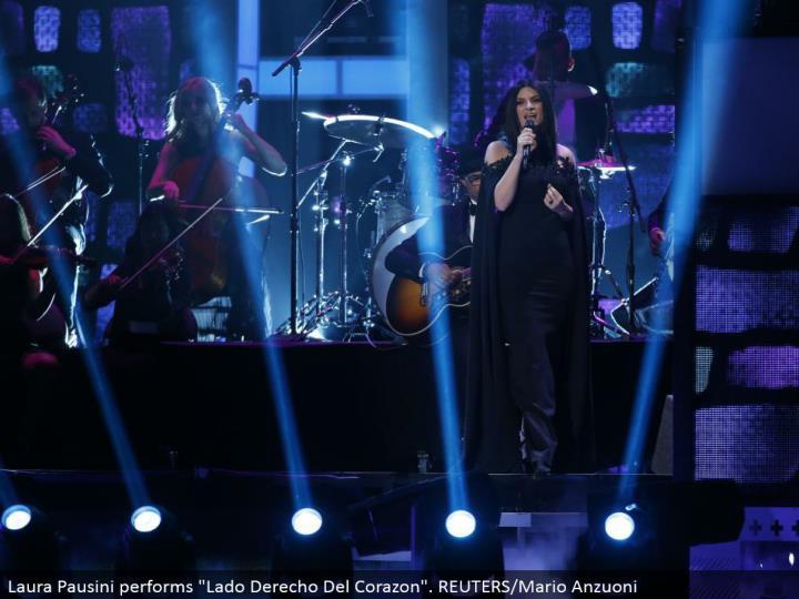 "Laura Pausini performs ""Lado Derecho Del Corazon"". REUTERS/Mario Anzuoni"