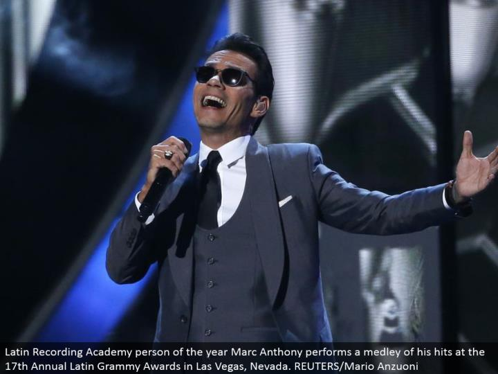 Latin Recording Academy individual of the year Marc Anthony plays out a variety of his hits at the seventeenth Annual Latin Grammy Awards in Las Vegas, Nevada. REUTERS/Mario Anzuoni