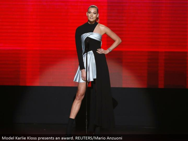 Model Karlie Kloss presents a regard. REUTERS/Mario Anzuoni