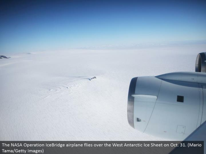 The NASA Operation IceBridge plane flies over the West Antarctic Ice Sheet on Oct. 31. (Mario Tama/Getty Images)
