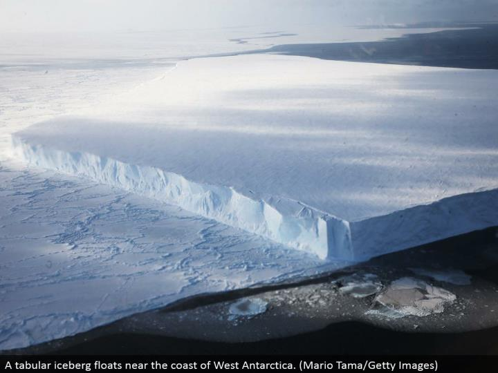 A forbidden ice sheet skims close to the bank of West Antarctica. (Mario Tama/Getty Images)