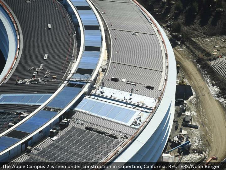 The Apple Campus 2 is seen under development in Cupertino, California. REUTERS/Noah Berger