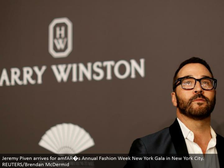 Jeremy Piven touches base for amfAR�s Annual Fashion Week New York Gala in New York City. REUTERS/Brendan McDermid