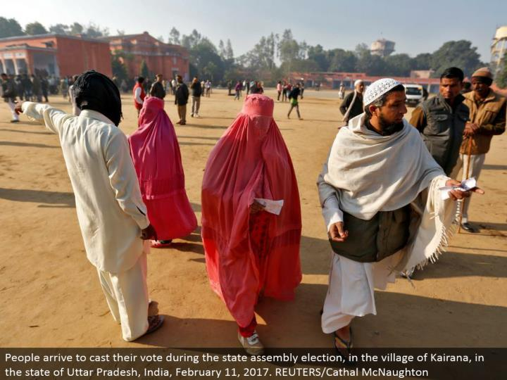 People land to make their choice amid the state gathering decision, in the town of Kairana, in the condition of Uttar Pradesh, India, February 11, 2017. REUTERS/Cathal McNaughton