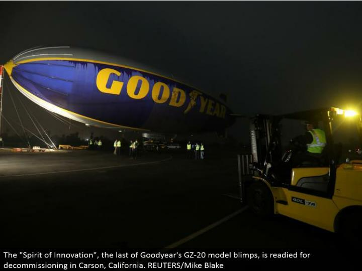 "The ""Soul of Innovation"", the remainder of Goodyear's GZ-20 display zeppelins, is prepared for decommissioning in Carson, California. REUTERS/Mike Blake"