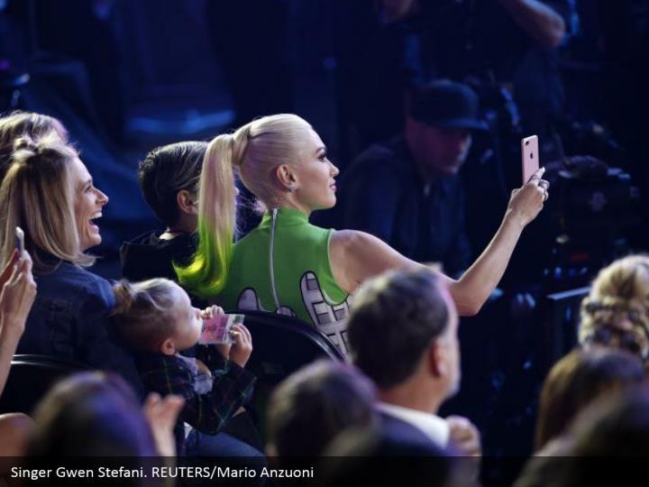 Singer Gwen Stefani. REUTERS/Mario Anzuoni