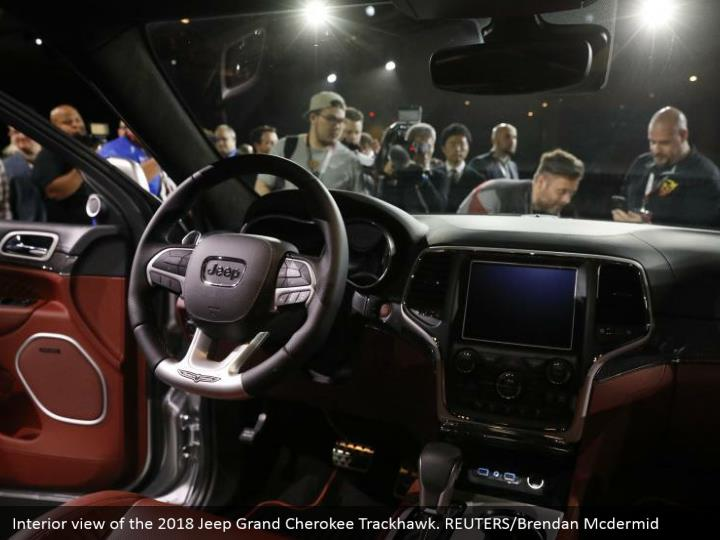 Interior view of the 2018 jeep grand cherokee