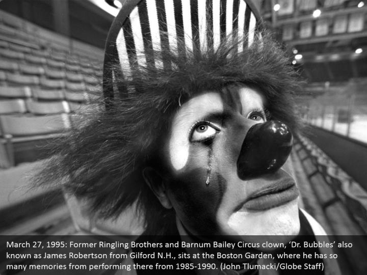 March 27, 1995: Former Ringling Brothers and Barnum Bailey Circus clown, 'Dr. Bubbles' also known as James Robertson from Gilford N.H., sits at the Boston Garden, where he has so many memories from performing there from 1985-1990. (John Tlumacki/Globe Staff)