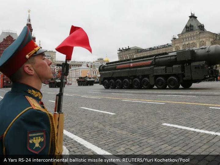 A Yars RS-24 intercontinental ballistic missile system. REUTERS/Yuri Kochetkov/Pool