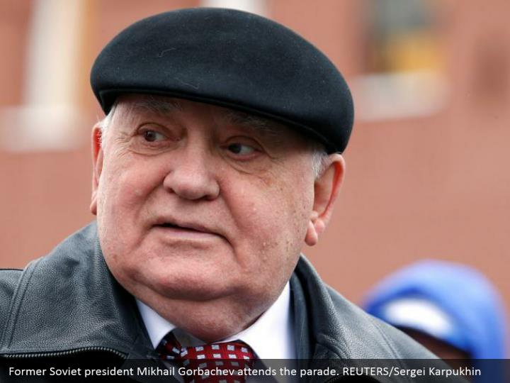 Former Soviet president Mikhail Gorbachev attends the parade. REUTERS/Sergei Karpukhin