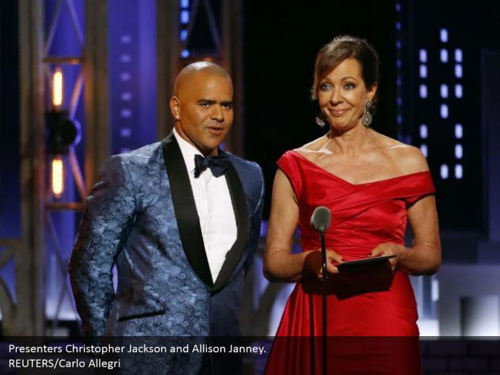 Presenters Christopher Jackson and Allison Janney.  REUTERS/Carlo Allegri