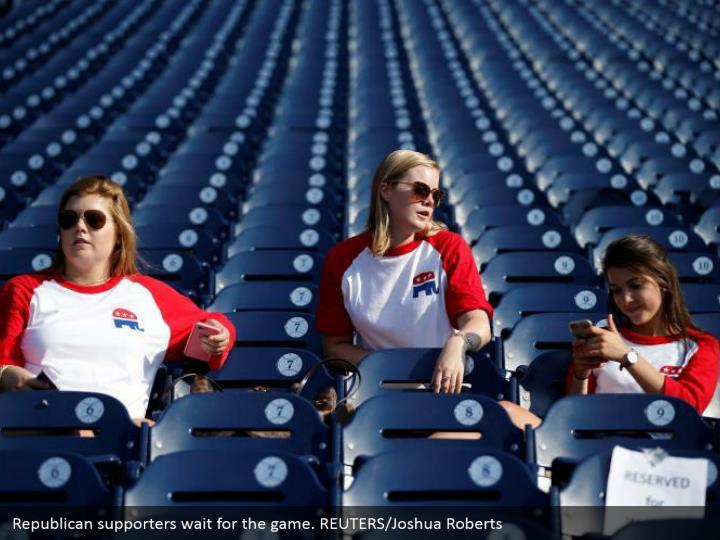 Republican supporters wait for the game. REUTERS/Joshua Roberts