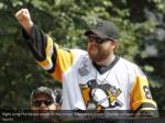 right wing phil kessel waves to the crowd