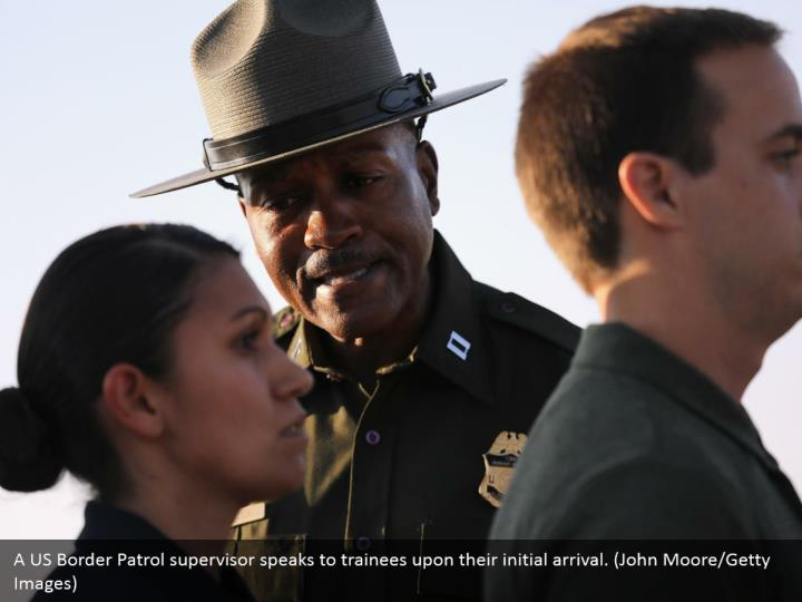 A US Border Patrol supervisor speaks to trainees upon their initial arrival. (John Moore/Getty Images)