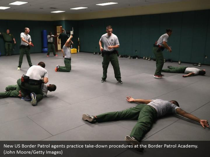 New US Border Patrol agents practice take-down procedures at the Border Patrol Academy. (John Moore/Getty Images)