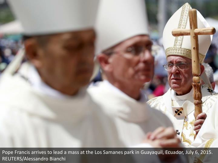 Pope Francis arrives to lead a mass at the Los Samanes park in Guayaquil, Ecuador, July 6, 2015. REUTERS/Alessandro Bianchi