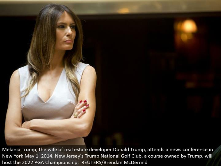 Melania Trump, the spouse of land designer Donald Trump, goes to a news meeting in New York May 1, 2014. New Jersey's Trump National Golf Club, a course possessed by Trump, will have the 2022 PGA Championship. REUTERS/Brendan McDermid