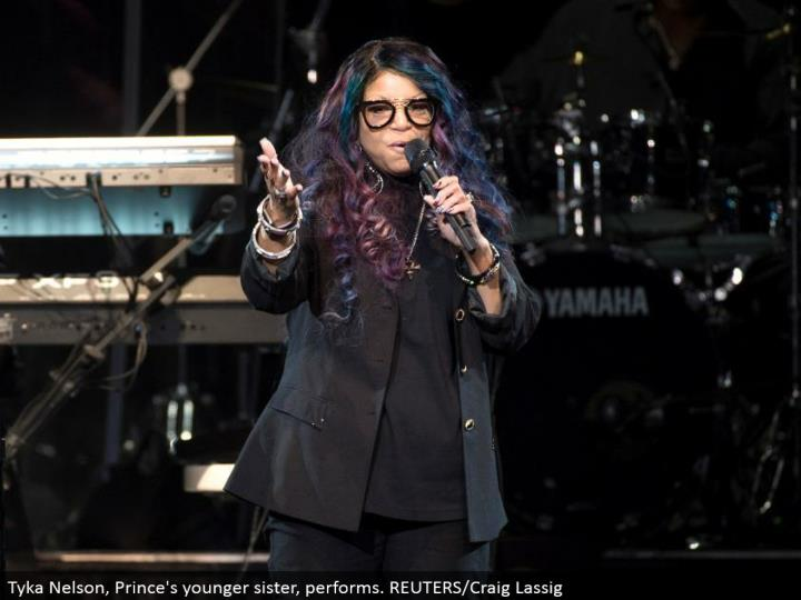 Tyka Nelson, Prince's more youthful sister, performs. REUTERS/Craig Lassig