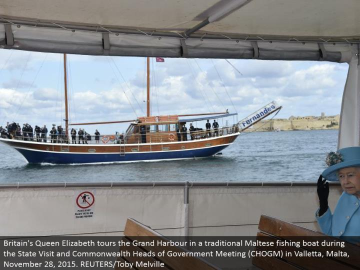 Britain's Queen Elizabeth visits the Grand Harbor in a customary Maltese angling watercraft amid the State Visit and Commonwealth Heads of Government Meeting (CHOGM) in Valletta, Malta, November 28, 2015. REUTERS/Toby Melville