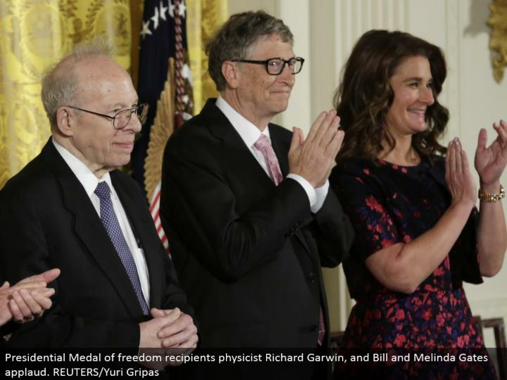 Presidential Medal of opportunity beneficiaries physicist Richard Garwin, and Bill and Melinda Gates praise. REUTERS/Yuri Gripas