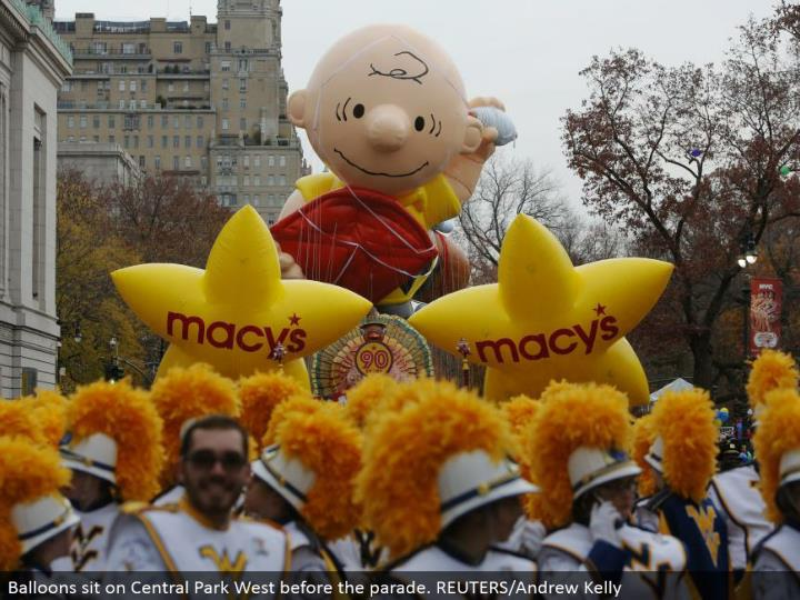 Balloons sit on Central Park West before the parade. REUTERS/Andrew Kelly