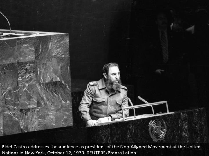 Fidel Castro addresses the gathering of people as president of the Non-Aligned Movement at the United Nations in New York, October 12, 1979. REUTERS/Prensa Latina