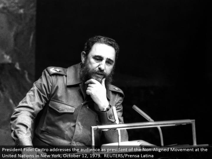 President Fidel Castro addresses the gathering of people as president of the Non-Aligned Movement at the United Nations in New York, October 12, 1979. REUTERS/Prensa Latina