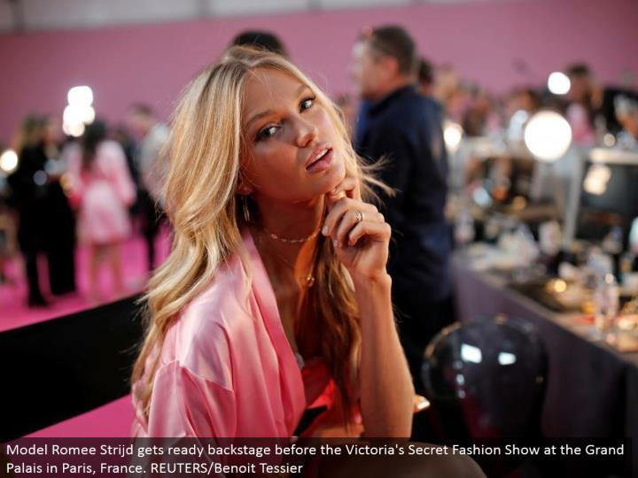 Model Romee Strijd prepares backstage before the Victoria's Secret Fashion Show at the Grand Palais in Paris, France. REUTERS/Benoit Tessier