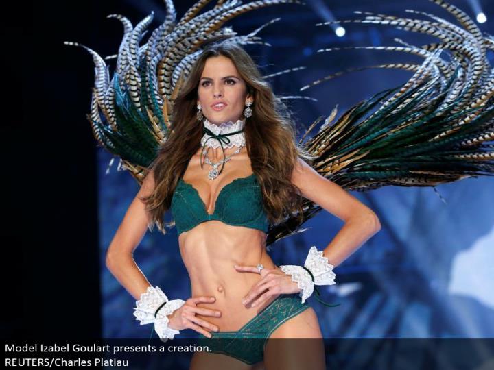 Model Izabel Goulart presents a creation.  REUTERS/Charles Platiau