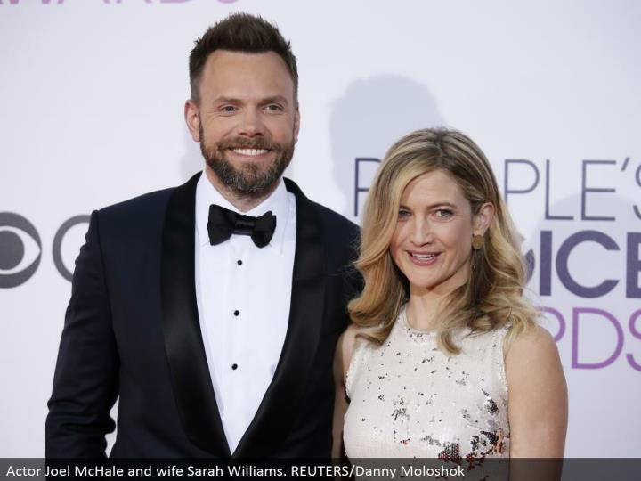 Actor Joel McHale and spouse Sarah Williams. REUTERS/Danny Moloshok