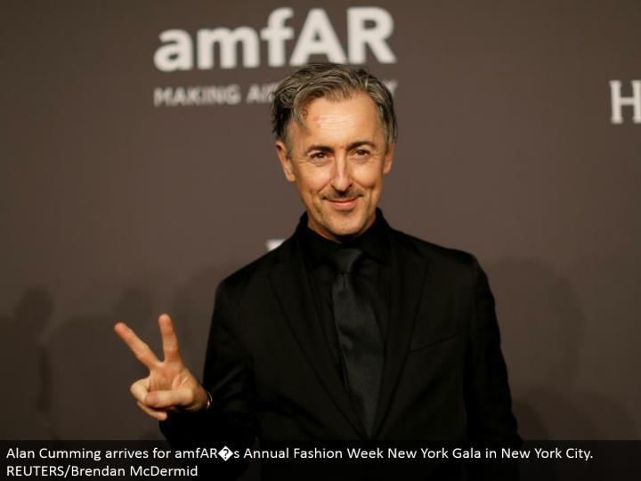 Alan Cumming touches base for amfAR�s Annual Fashion Week New York Gala in New York City. REUTERS/Brendan McDermid