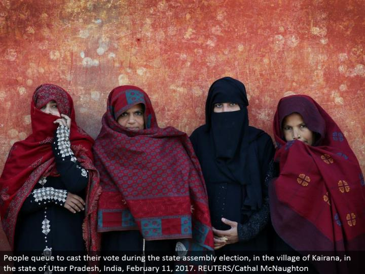 People line to make their choice amid the state get together decision, in the town of Kairana, in the condition of Uttar Pradesh, India, February 11, 2017. REUTERS/Cathal McNaughton