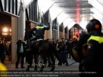 riot police conflict with demonstrators2