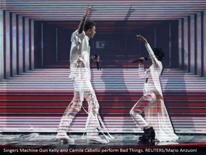 Singers machine gun kelly and camila cabello