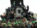 people watch the st patrick s day parade