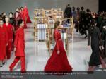 models present creations as ethnic buyi women